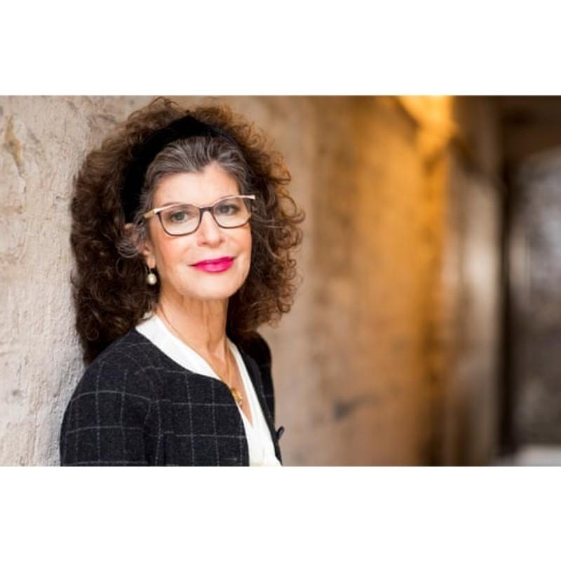 Η καθηγήτρια του Harvard Σοσάνα Ζούμποφ και τα προφητικά λόγια | Portraits