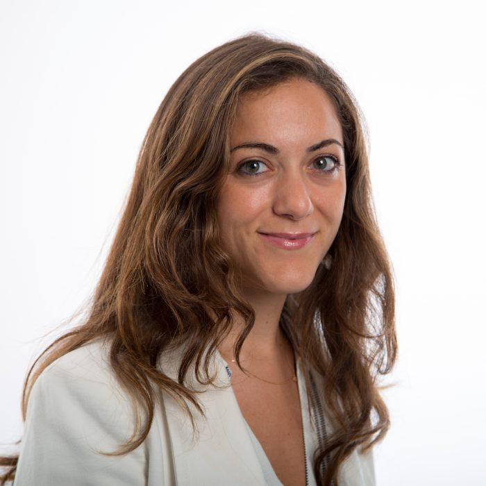 Έλενα Λαζάρου: Το ότι πλέον οι γυναίκες μπορούν να μιλήσουν, σημαίνει ότι σε κάποιο βαθμό η κουλτούρα που προστάτευε τους θύτες έχει αρχίσει να φθίνει