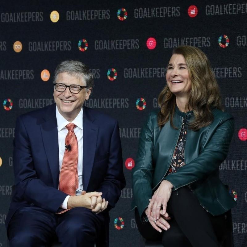 «Βοηθήστε τις γυναίκες»: Η συμβουλή των Μπιλ και Μελίντα Γκέιτς για την επόμενη μέρα