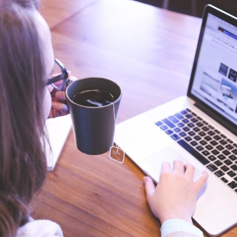 Τι είναι το «χάσμα αυτοπεποίθησης» που κρατά τις γυναίκες πίσω στην καριέρα τους;