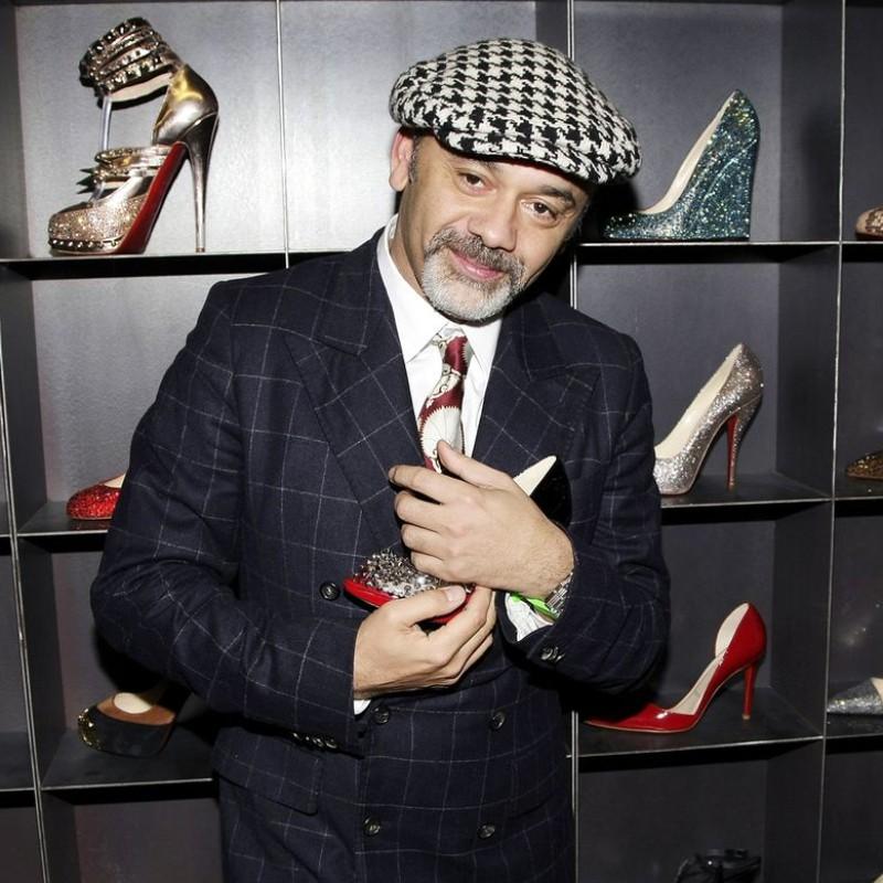 Γόβες στιλέτο, sneakers και μπότες δημιουργούν… δισεκατομμυριούχους