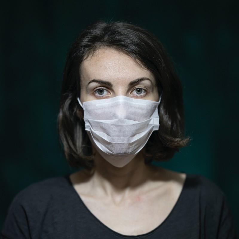 Οι γυναίκες πλήττονται δυσανάλογα από την πανδημία - Κι όμως, οι σημαντικές αποφάσεις λαμβάνονται χωρίς εκείνες