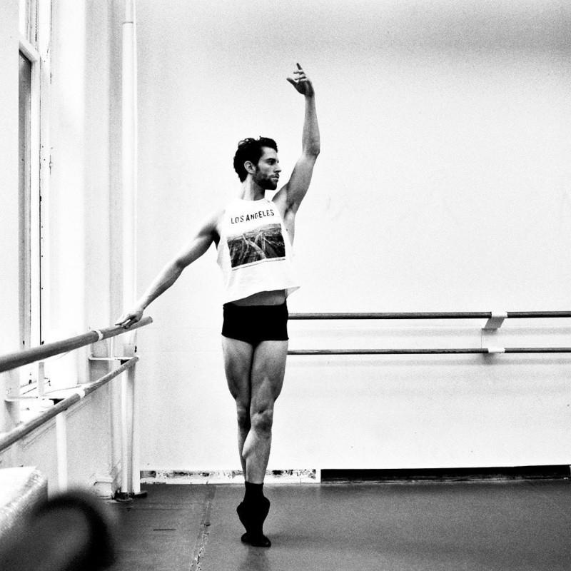 Τζέιμς Γουάιτσαϊντ: Ο χορευτής του American Ballet Theatre που καταρρίπτει τα ταμπού